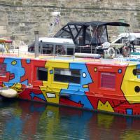 035 bateau colore